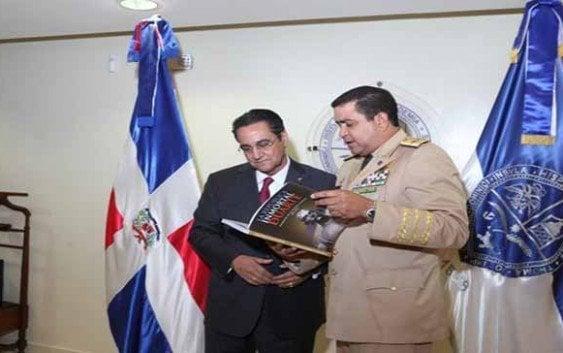 Ministro Defensa visita al Rector de la UASD