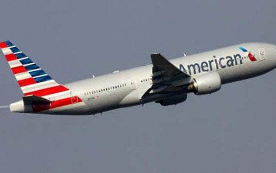 Piloto American Airlines muere en pleno vuelo a Boston