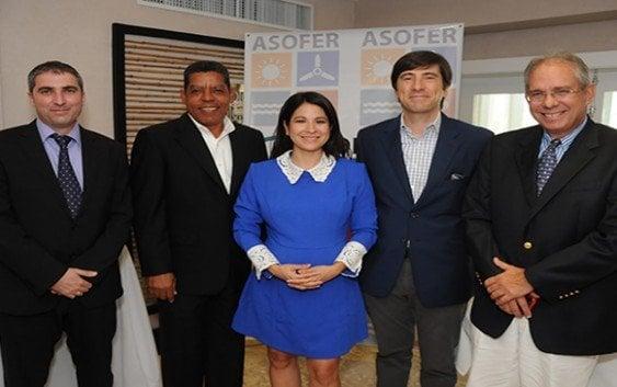 Crean asociación de empresas de energías renovables