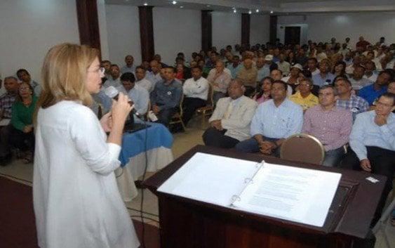 Hija Hipólito Mejía asegura Abinader representa la opción de cambio