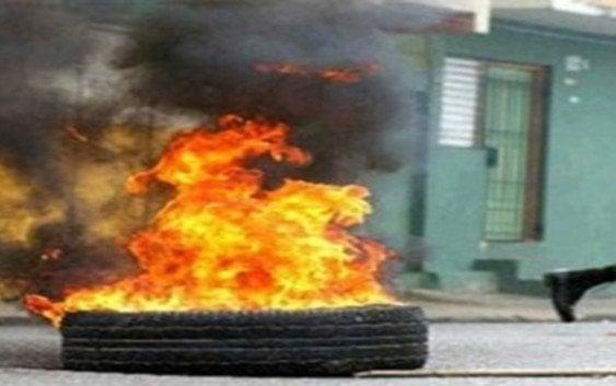 Protestan en Palmarito por prolongados apagones