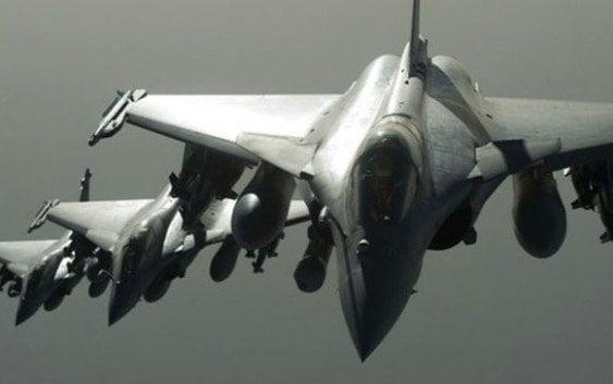 Francia ataca de inmediato lanza ofensiva aérea sobre Estado Islámico