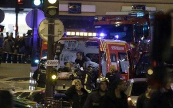 Terroristas asesinan alrededor 40 personas esta noche en París