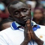 """Papa a los jóvenes de Uganda: """"son un pueblo de mártires, transformen el odio en amor"""""""
