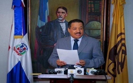 Trasciende presidente JCE discutió con intruso norteamericano y este solicitó cancelarle visa