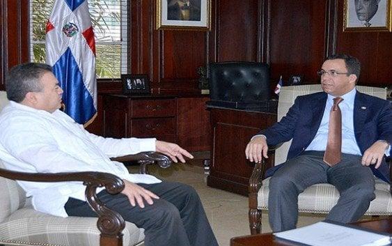 Canciller recibe al Secretario General adjunto de la OEA