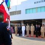 Presidente y Ministro Defensa conmemoran bicentenario Mella