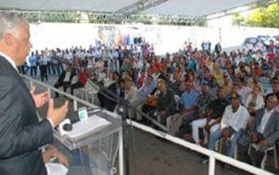 Miguel Vargas dice Abinader es candidato sin contenido ni propuestas