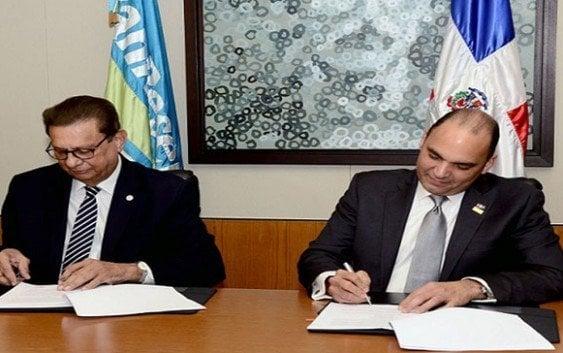 Banreservas firma convenio de cooperación con la UNPHU