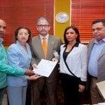 Regidores denuncian al PLD y a Roberto Salcedo ante JCE