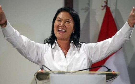 Voto electrónico provoca caos en colegios electorales en Perú