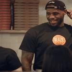 Vídeo: LeBron James se hace pasar como empleado pizzería