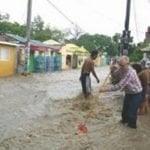 24 provincias en alerta; Azua inundada; Vídeo