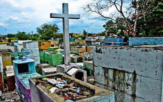 De dónde saco el PLD…??? Cementerios…!!!