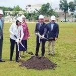 Fundación ARMID inicia construcción cancha fútbol en SD