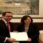 Canciller representó al presidente en toma de posesión en Taiwán