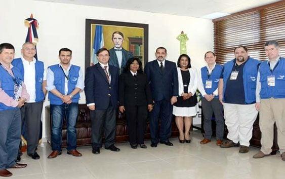 Delegación de la Unasur visita Tribunal Superior Electoral