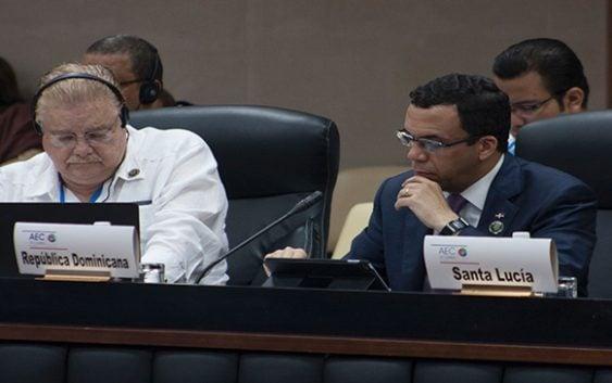 Andrés Navarro participa en reunión de ministros de la AEC