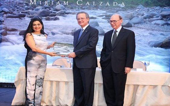 """Fundación Popular presenta libro """"Pacto con las Aguas"""""""