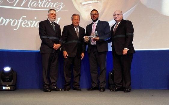 CONEP reconoce el éxito profesional de Pedro Martínez