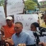 Productores de leche de Puerto Plata protestan contra importación