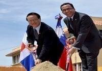 Canciller y embajador de Taiwán inician trabajos de construcción