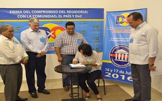 Regidores de DxC firman compromiso de ética y transparencia