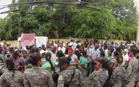 Ironía: Haitianos en RD reclaman a su país entregarles sus documentos
