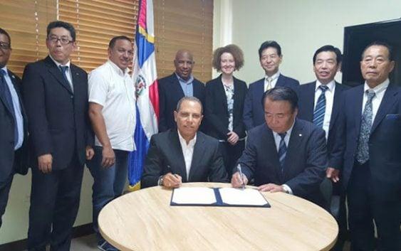 Fedosa y Japón firman acuerdo de entrenamiento equipo sóftbol RD