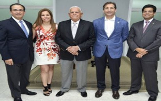 Fundación Loyocan reconoce trayectoria de Rafael Vitelio Bisonó