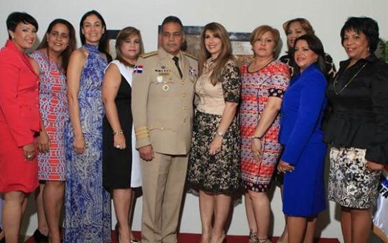 Asociación Esposas de Oficiales Fuerzas Armadas Juramentó directiva