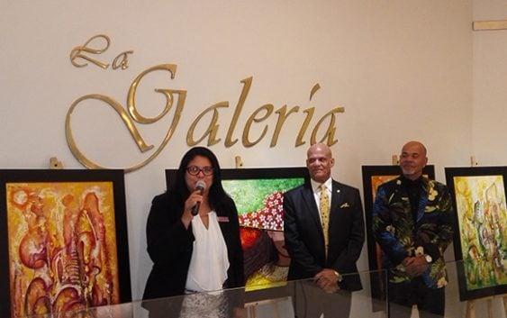 """En La Galería del Hotel Crown Plaza """"Perfiles Caribeños"""" de Bladimir Díaz"""