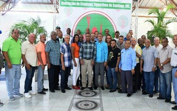 Ministro Deportes Danilo Díaz se reúne con cronistas deportivos de Santiago