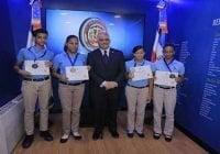 """Canciller reconoce estudiantes como """"Embajadores Estudiantiles Honoríficos"""""""