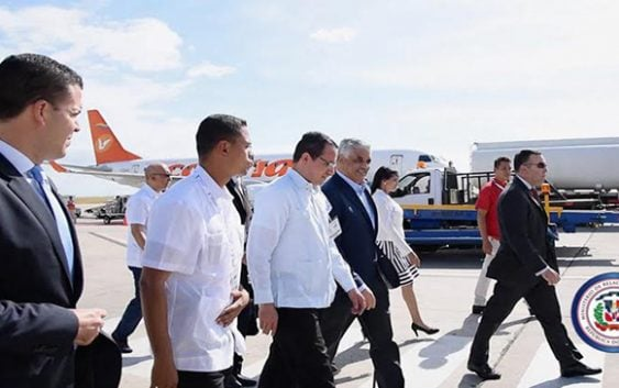 Canciller Miguel Vargas arriba a Venezuela a Cumbre de la MNOAL