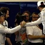 Hamilton logra la 'pole position' en Abu Dabi