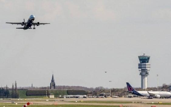 Por crisis migratoria UE exigirá visado express a pasajeros entren a Schengen
