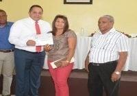 Instituto Agrario entrega recursos a productores de caña de Higüey