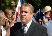 Percival Peña denuncia acoso, apresan su chófer; Convoca rueda de prensa