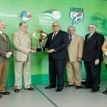 BHD León entrega a Lidom Copa del Torneo de Béisbol; Reconoce líderes serie regular