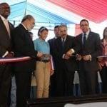 Danilo Medina inauguró escuela y liceo en Los Tres Brazos