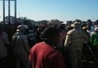 Bloquean paso fronterizo exigiendo entrada a RD de una mujer y sus tres hijos