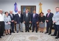 Hipólito Mejía visita Junta Central Electoral, pide Ley de Partidos y Electoral