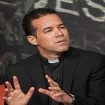 Padre Catalino: Llama a sumarse a la marcha: Dijo detrás aborto hay mucho dinero