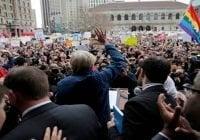 Continúan protestas por prohibición entrada a EE.UU. de Donald Trump