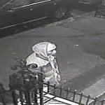 Policía NY persigue atracador ataca mujeres en el Alto Manhattan; Vídeo