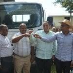 IAD dona camión a productores de la comunidad de Hoyo del Pino