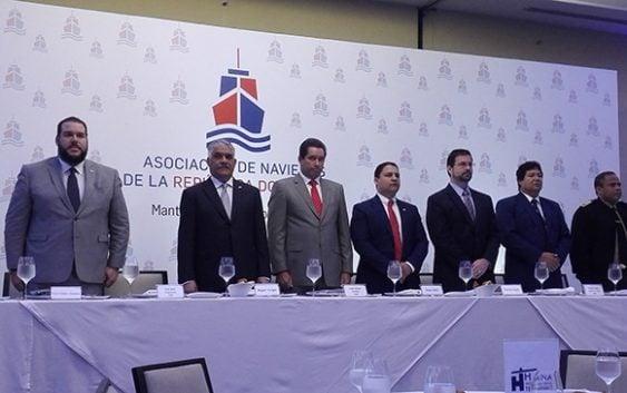 Navieros realizan almuerzo-conferencia con el Canciller Miguel Vargas