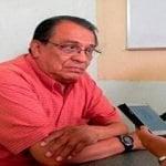 Tienden emboscada a periodista y lo asesinan frente a su esposa