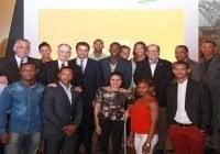 Alcalde del DN, David Collado rinde homenaje a atletas olímpicos